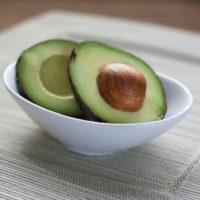 אבוקדו מזון על תזונה טבעית שחר סמיט