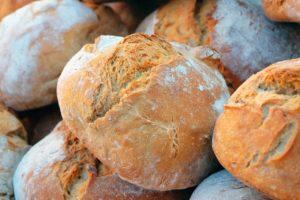 לחמניות קמח כוסמין מלא שחר סמיט תזונה טבעית