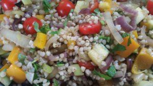 כוסמת ירוקה עם ירקות שחר סמיט תזונה טבעית