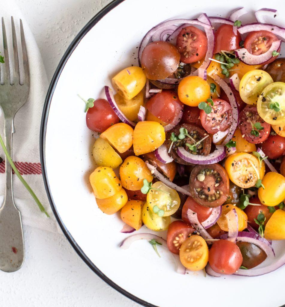 סלט עגבניות שרי שחר סמיט