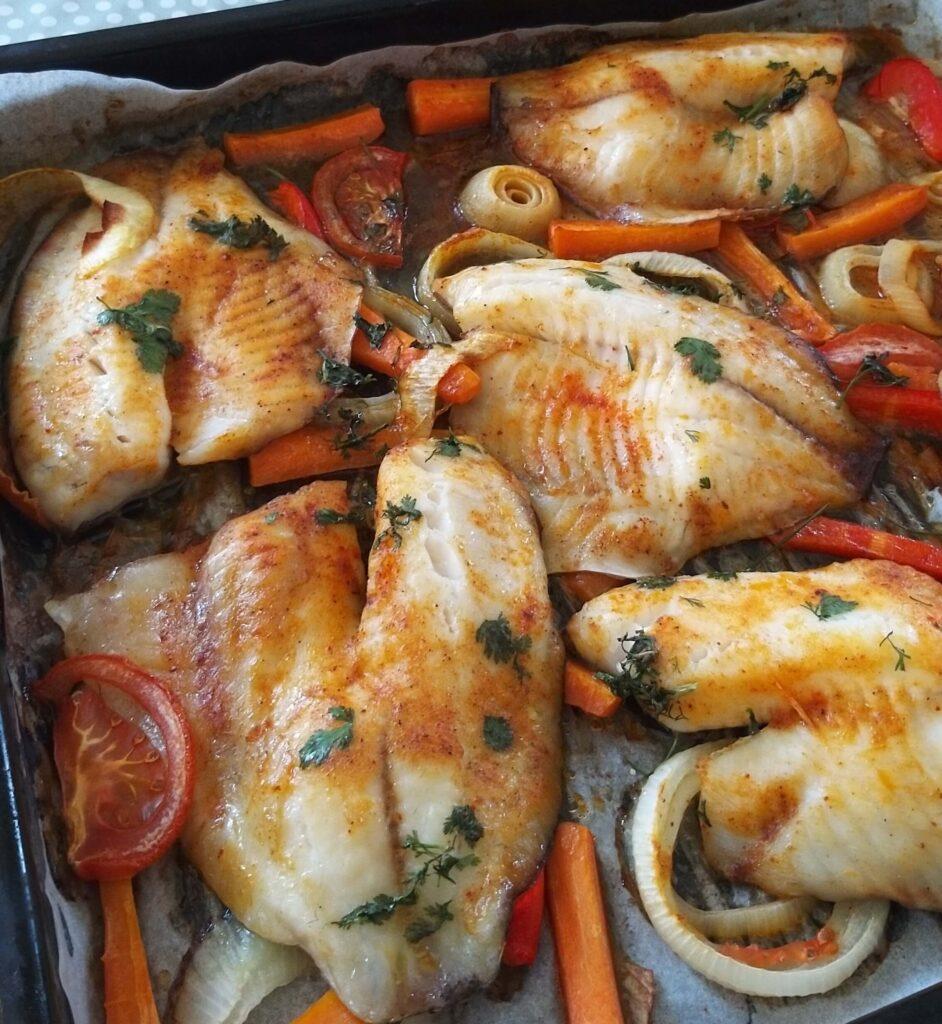 דג בתנור עם ירקות שחר תזונה בריאה