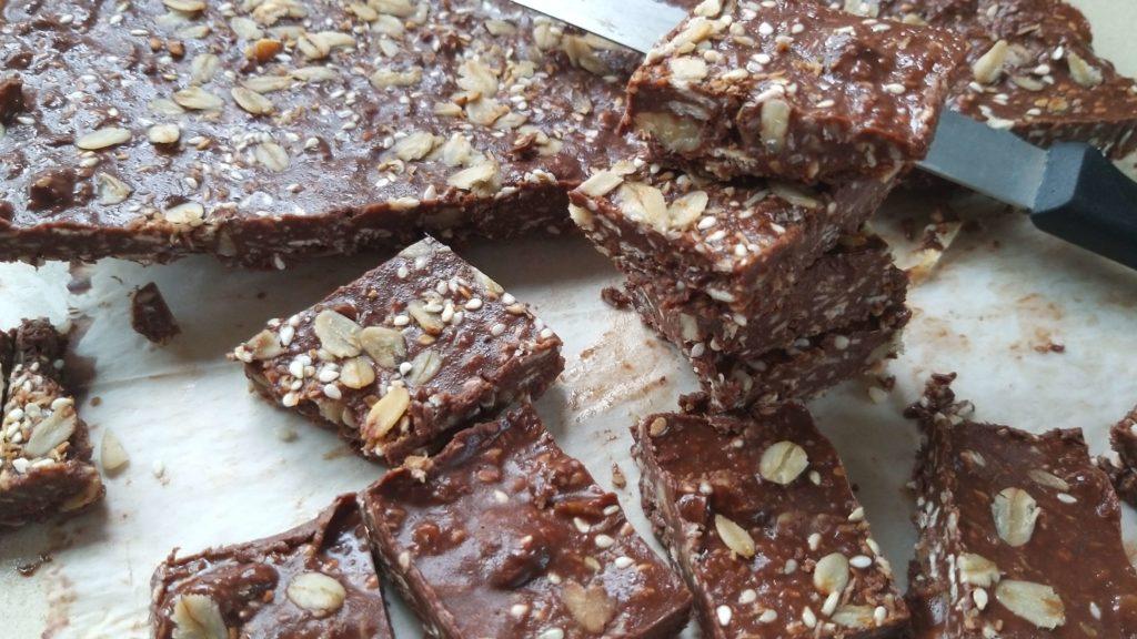 ממתק שוקולד אגוזים בריא שחר תזונה בריאה הרזיה בריאה