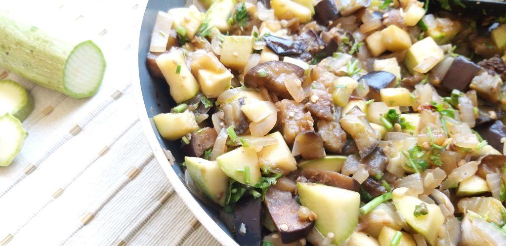 תבשיל חצילים וקישואים שחר תזונה בריאה